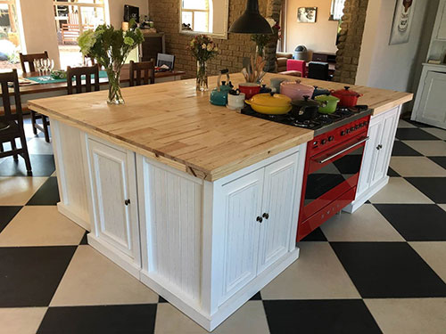 Snippets updates recent kitchens helpful advice south for Kitchen islands south africa